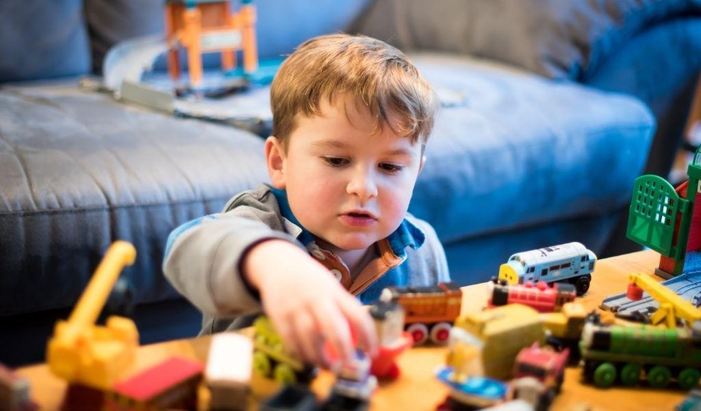 información sobre juguetes para la salud visual de los niños
