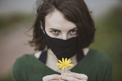 Mascarillas y estrategias para evitar contagios covid. La válvula de la mascarilla filtrante no es una estrategia que aumente tu protección ante el contagio covid